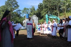 Mgr. Suwatan resmikan pembangunan venue IYD 2016, Menado