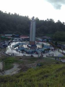 monumen beragaman religi di Bukit Kasih Manado