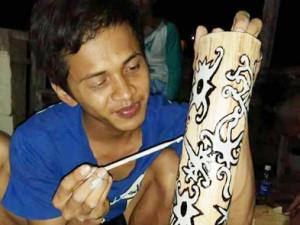 Pembuatan Salib IYD Keuskupan Tanjung Selor