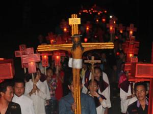 Perarakan Lampion dan Salib IYD