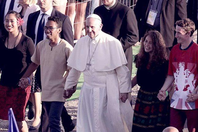 Pope Francis at WYD in Poland 2016 (Credit: Marcin Kadziolka/Shutterstock/CNA)